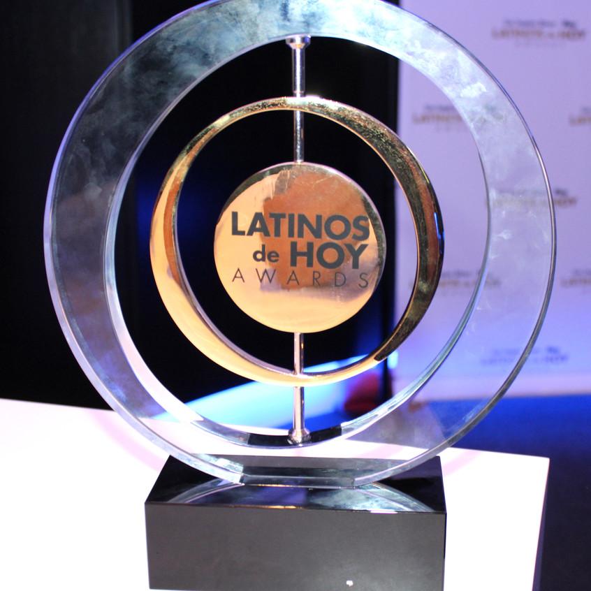 Latinos deHoy Award
