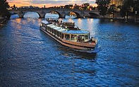 Louer une péniche à Paris, privatiser une péniche à Paris