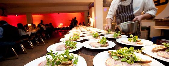 Commis et cuisiniers à Paris