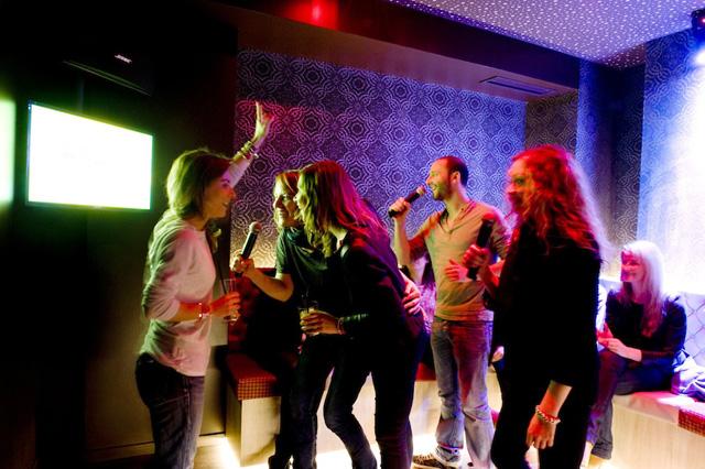 team building karaoke