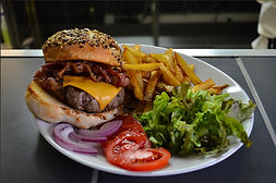 traiteur street food repas assis paris