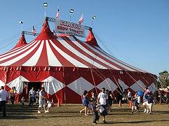 Troupe de cirque pour soiree