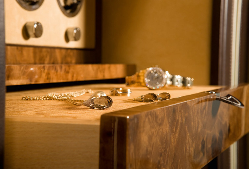Closet-Island Luxurysafes