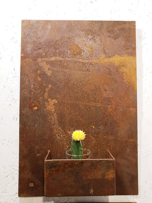 Design corten planter on wall 40x60cm