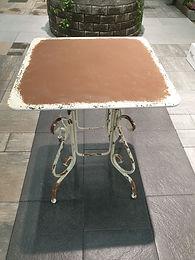 Antique style table. Color antique 65x65cm x 79cm h