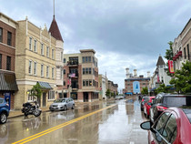 Port Washington, WI - New England Charm + Midwestern Friendliness
