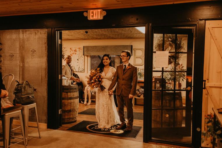 Olathe, Kansas Wedding Flowers by Jori Krenzel | Floral Designer