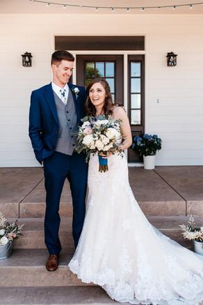 Rural Topeka, Kansas Wedding Flowers by Jori Krenzel | Floral Designer