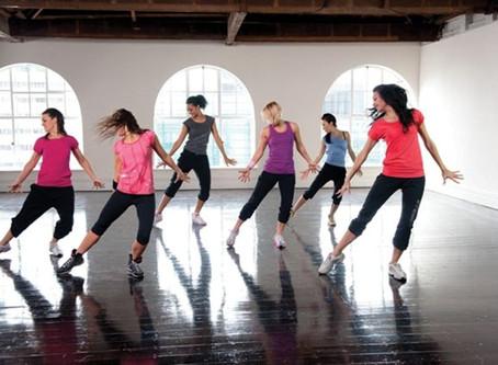 ¿Qué es mejor para tu cerebro: bailar, caminar o hacer estiramientos?