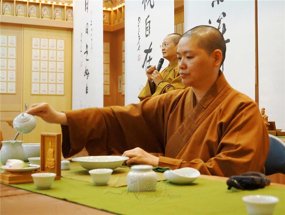 One Stroke Calligraphy Tea Meditation - Fo Guang Shan Fukuoka, Japan