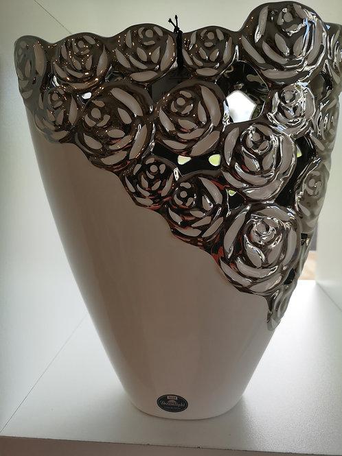 Vase mit Rosen-Ornamenten