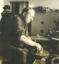 М.М. Пеленкин за гончарным кругом. Конец 1970-х