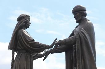Памятник Петру и Февронии в Ласково