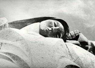 Памятник павшим воинам в годы ВОВ 1941-1945 гг.