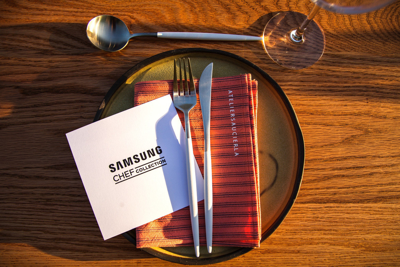 Samsung Branded Menu Cards