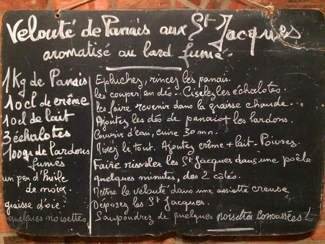 Velouté de panais aux Saint Jacques aromatisé au lard fumé