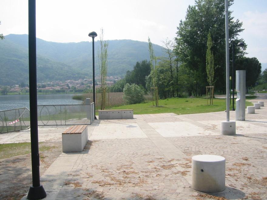 La piazzetta di accesso al pontile