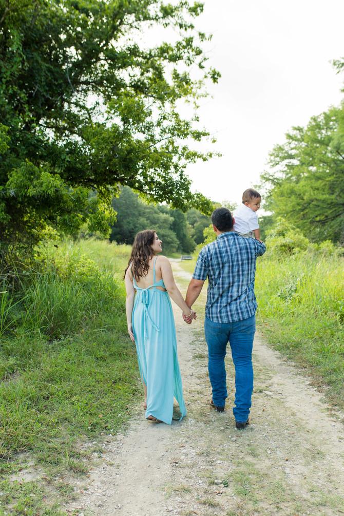 Vega Family & 1st Birthday Session| San Antonio Family Photographer