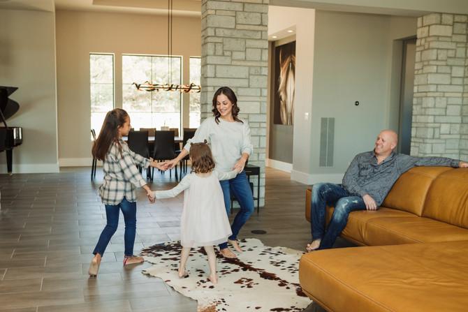 Gordon Family Lifestyle Session| San Antonio Family Photographer