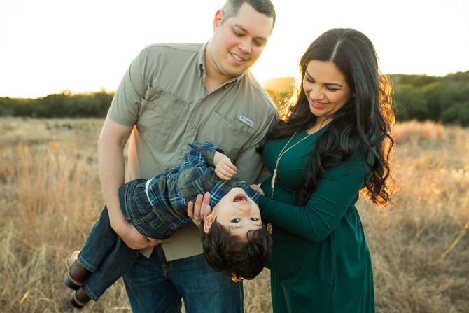 Cruz Maternity Session| San Antonio Maternity Photographer