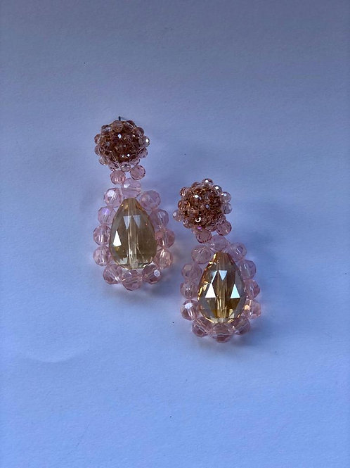 Pembe kristal detaylı damla küpe