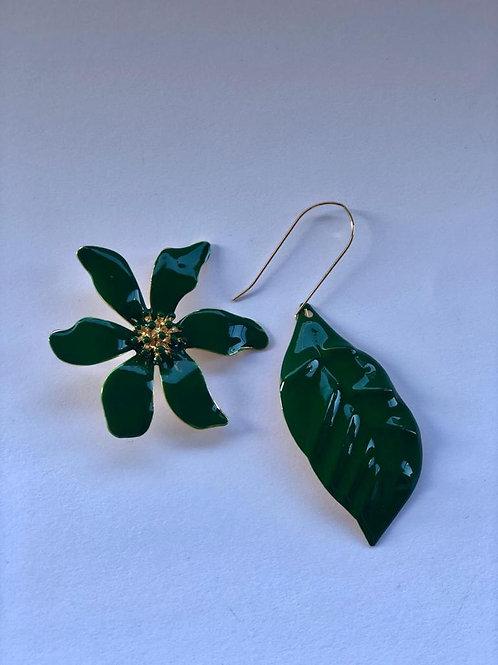 Yeşil inci çiçek, yaprak küpe
