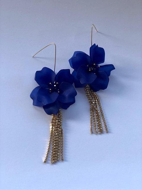 Mavi çiçek gold püskül küpe