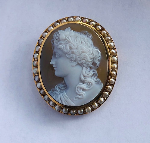 Antique Gold and Pearl Pendant