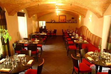 restaurant salle interieur.jpg