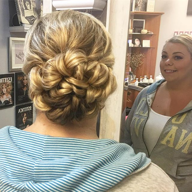Maid of Honor Updo & makeup today 💁🏼 by Kiara #wedding #braid #softcurls #hair #hairstyle #wedding