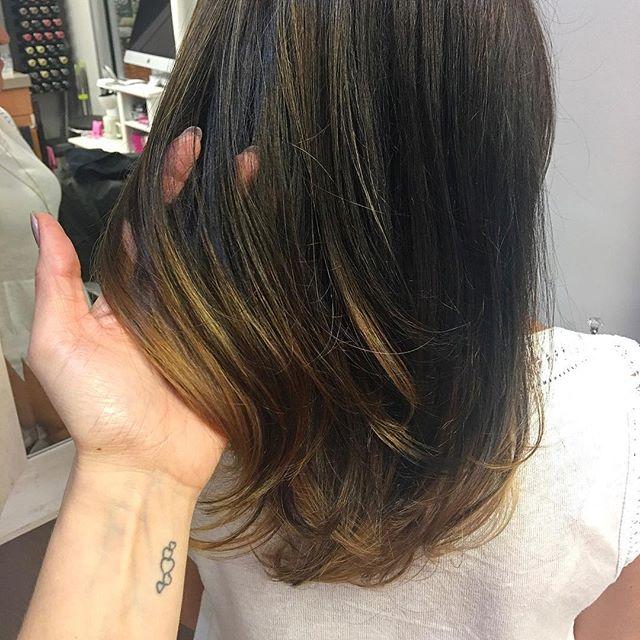 A little somethin' somethin' 😉 #hair #kiaramooneyhmua #studio #solasalons #boston #goldwell #iamgol