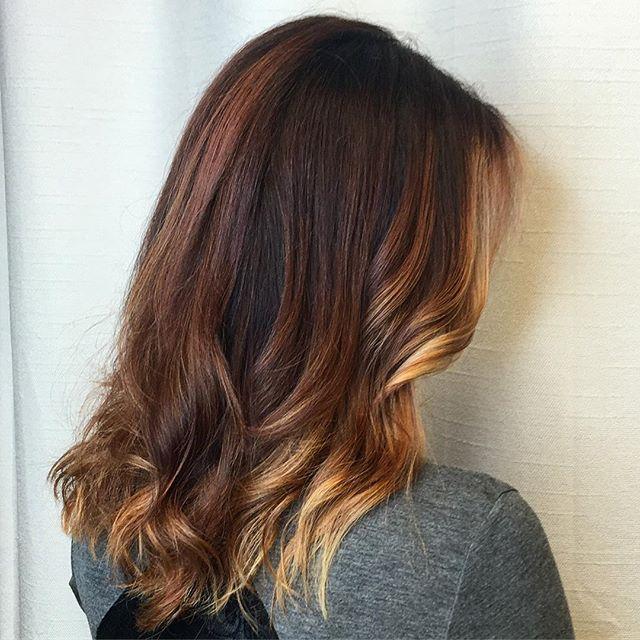 Copper, color melt & a hint of pumpkin spice 🎃💫✨ #hairstudio #kiaramooneyhmua #hairsalon #positive