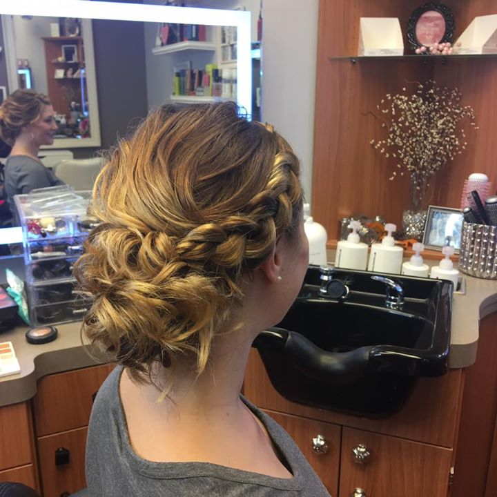 Beautiful updo & makeup on Allison for her maternity shoot!