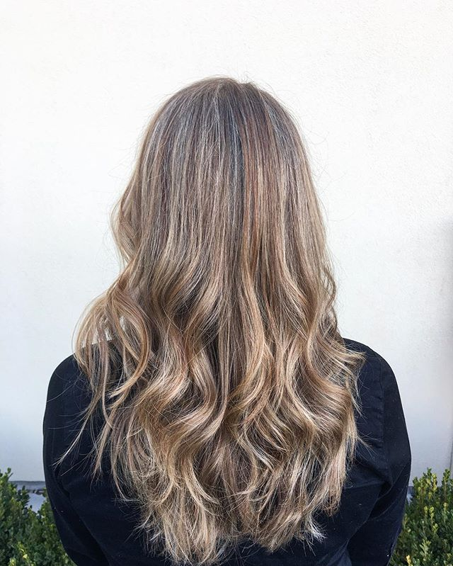 With all this balayage L❤️VE, we still fantasize about a full foil with highs & lows 😌 #hair #salon