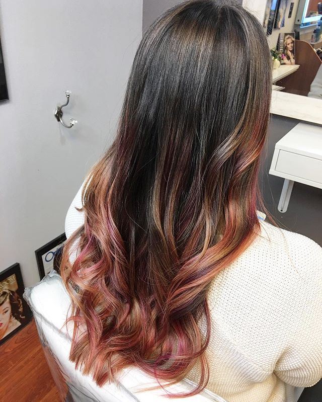 Rose gold 🌹 with a hint of violet! As always, we _olaplex