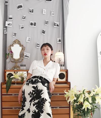 復古泡袖V領衫-短袖款 黑印花泡袖洋裝