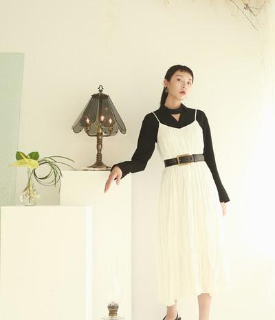 頸飾設計薄西裝女衫 兩面穿皺摺細肩帶洋裝-白