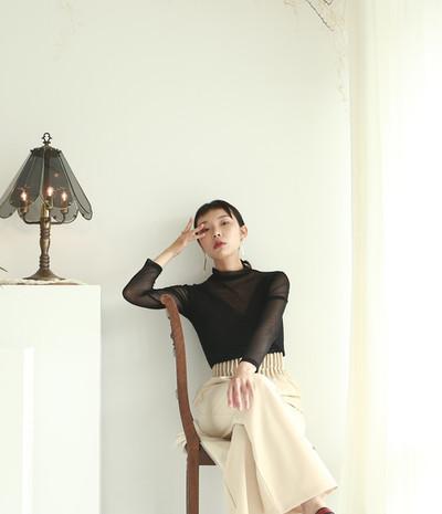 細直紋網紗上衣-黑 褶皺高腰西裝褲
