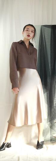 千鳥開襟短版立體感襯衫 香檳絲光魚尾裙
