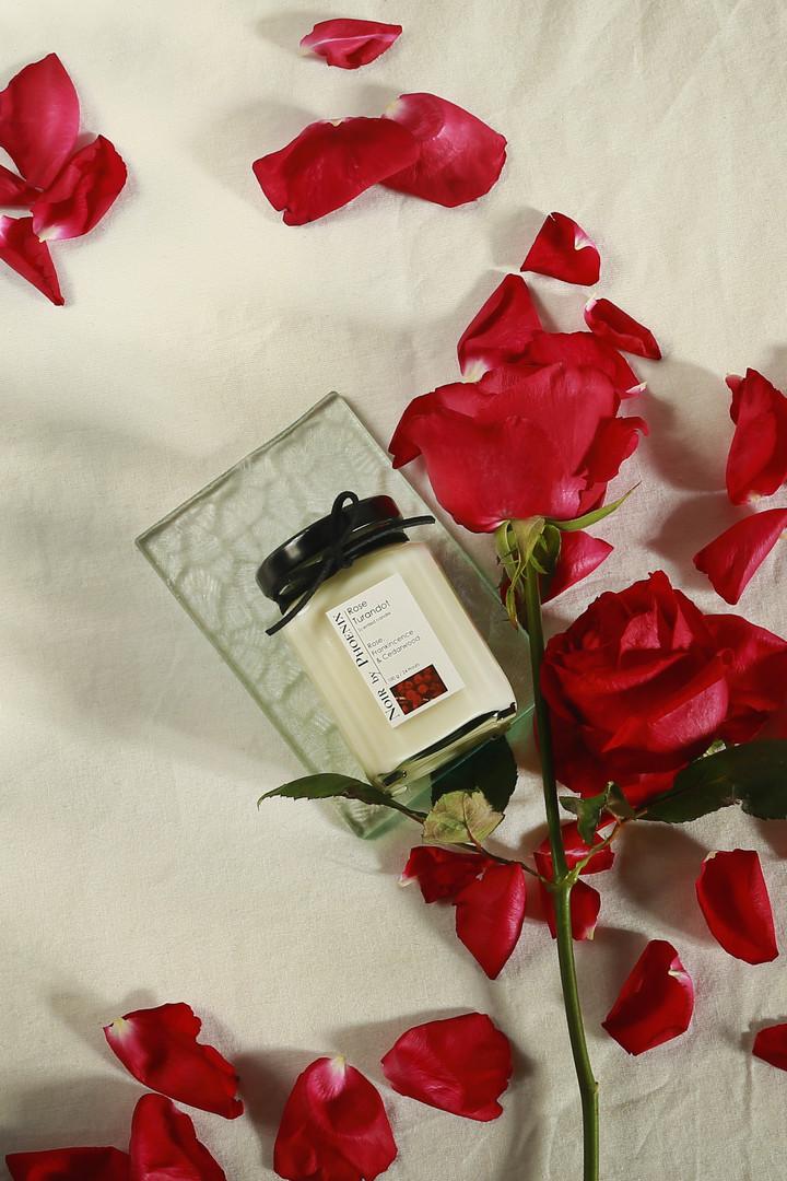 玫瑰杜蘭朵保養精油大豆蠟燭