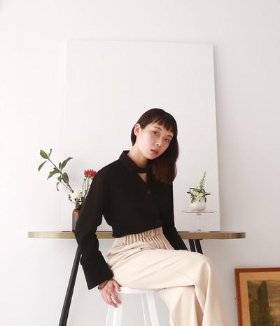 頸飾設計薄西裝女衫 褶皺高腰西裝褲