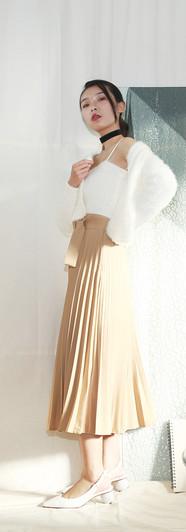 細柔白針織上衣兩件組 修身百摺長裙-蜜駝