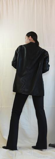 寬鬆版經典西裝皮外套-黑 高腰微彈落地西裝褲-黑