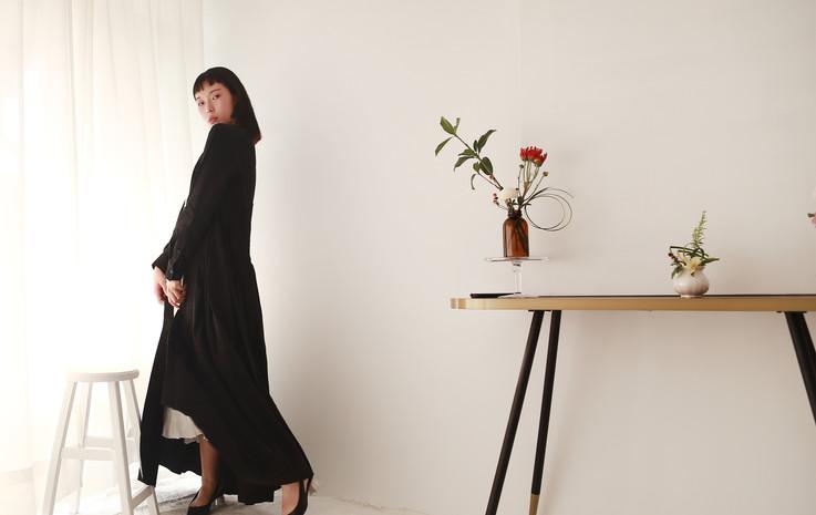 修身落地洋裝外罩衫-黑