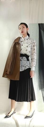 寬鬆版皮革衫 鎖鏈雪紡襯衫 修身百摺長裙-黑