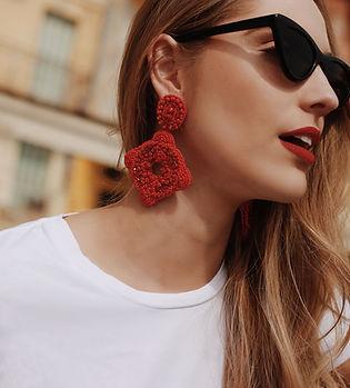 Boucles d oreilles rouges de tres almas statement earrings