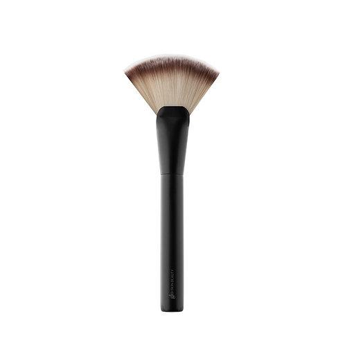 Glo Fan Highlighter Brush