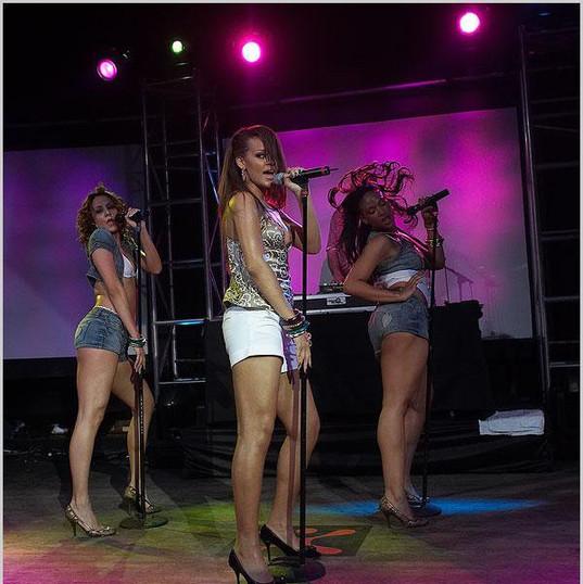Tour & performing -008.jpg
