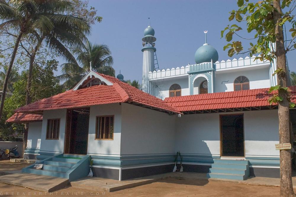 A modern photograph of Cheraman Juma Masjid