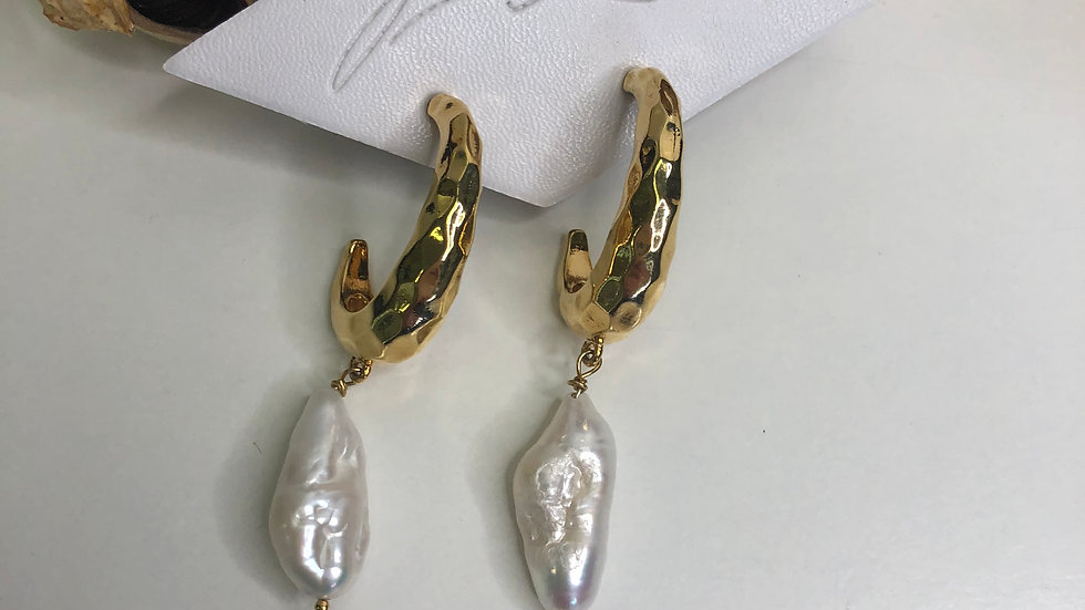5 & 2 Earrings Aura